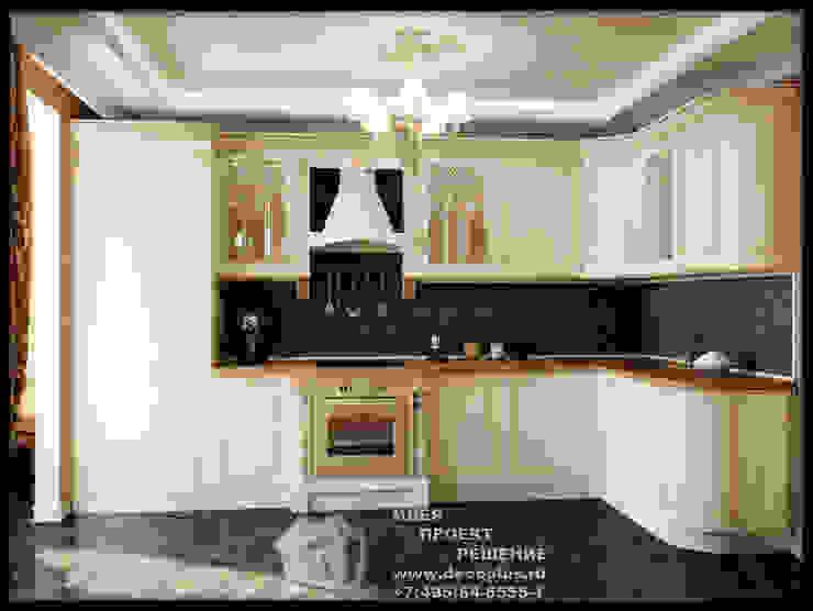 Кухня молочного цвета с коричневым фартуком Кухня в стиле модерн от Бюро домашних интерьеров Модерн