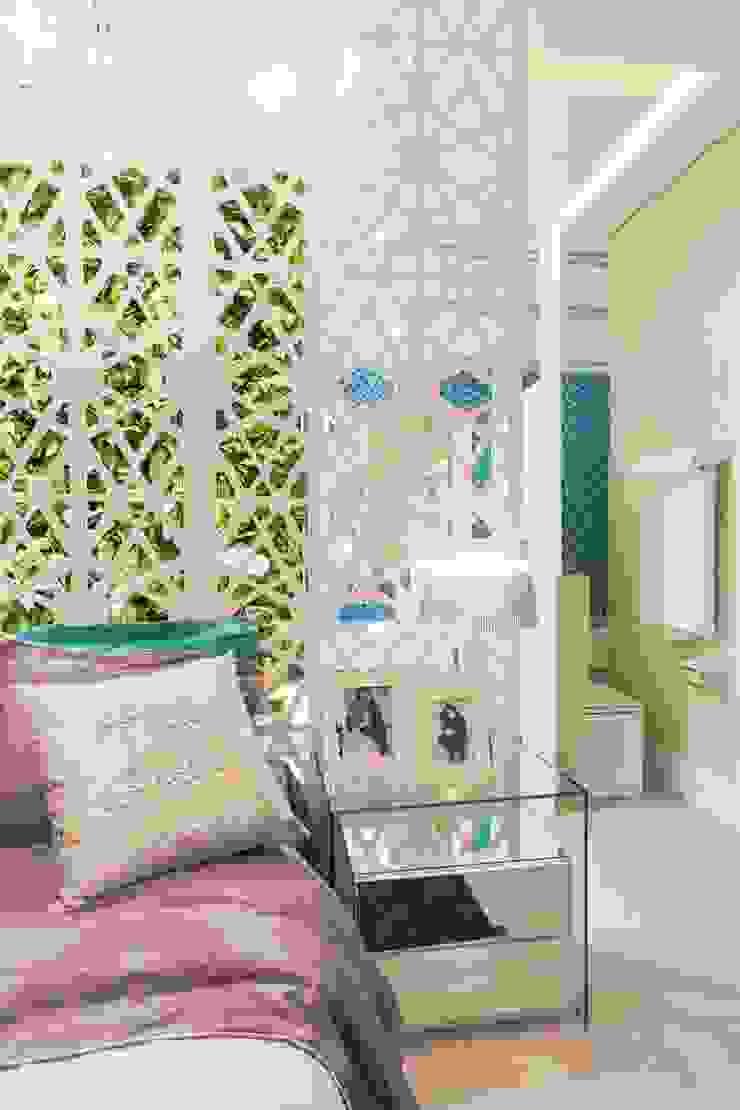 Modern Bedroom by Patrícia Hagobian Interiores Modern