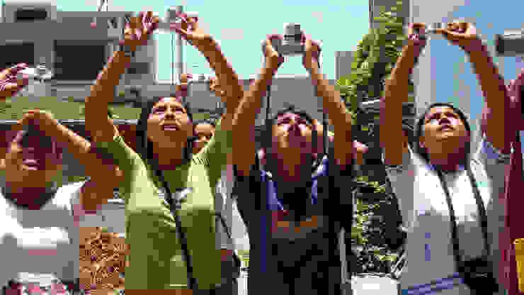 FairMail tieners in actie van FairMail Tropisch
