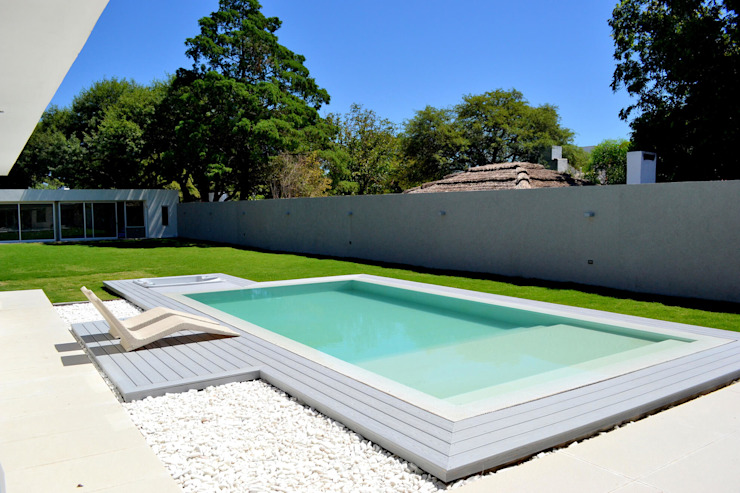 Pool by Piscinas Scualo, Modern Stone