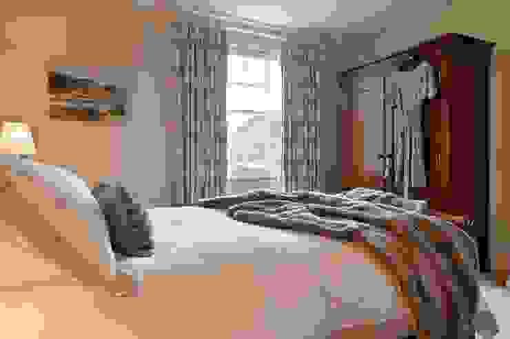 Restful Master Bedroom Modern style bedroom by Natalie Davies Interior Design Modern