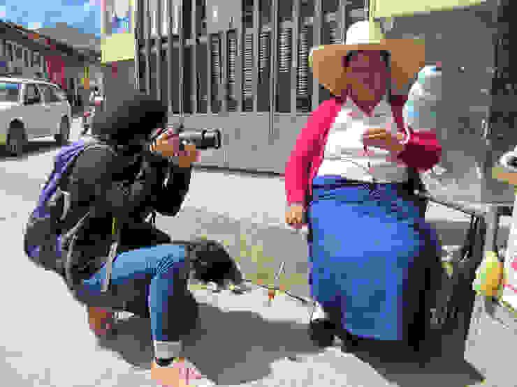 FairMail Peru fotografe Angeles (18) in actie van FairMail Tropisch