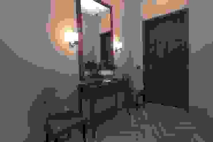 Прихожая Коридор, прихожая и лестница в классическом стиле от АМСД Классический