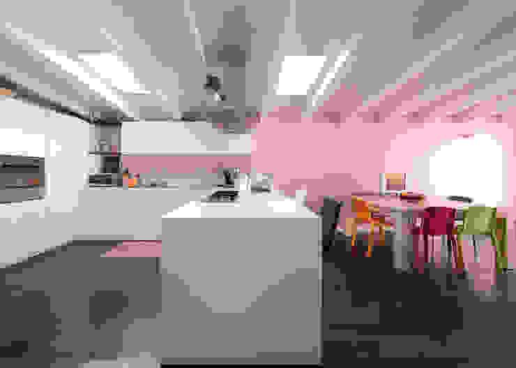 Italian Family Cucina moderna di ristrutturami Moderno