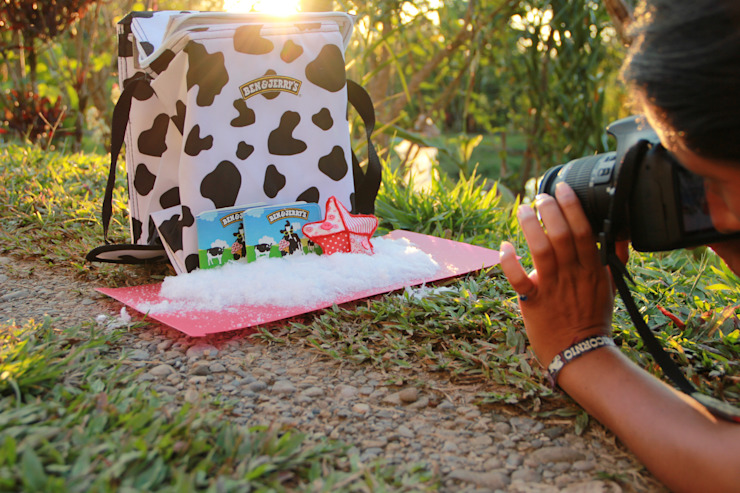 FairMail Peru fotografe Anidela maakt foto's voor Ben & Jerry's kerstkaart van FairMail Tropisch