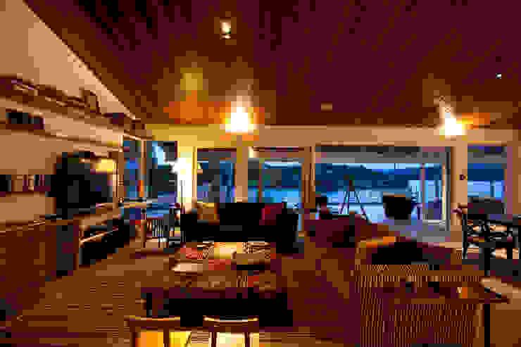 Sala de estar Salas de estar clássicas por M.Lisboa Arquitetura e Interiores Clássico