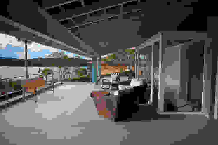 Varanda Varandas, alpendres e terraços clássicos por M.Lisboa Arquitetura e Interiores Clássico