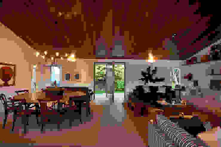 Sala de jantar / estar Salas de estar clássicas por M.Lisboa Arquitetura e Interiores Clássico