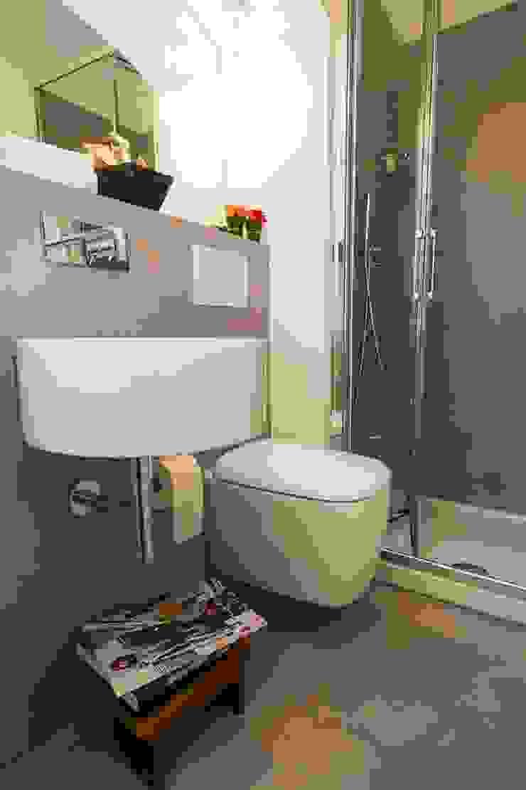Salle de bain classique par Patrizia Massetti Classique