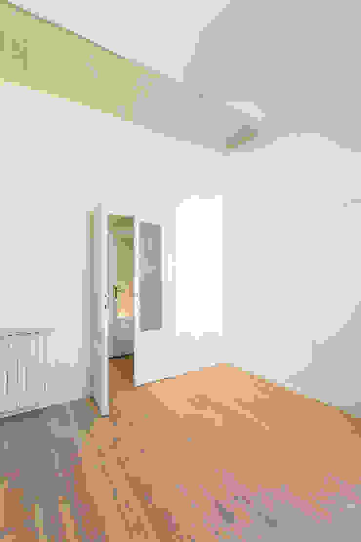 modern  by PLUS ULTRA studio, Modern