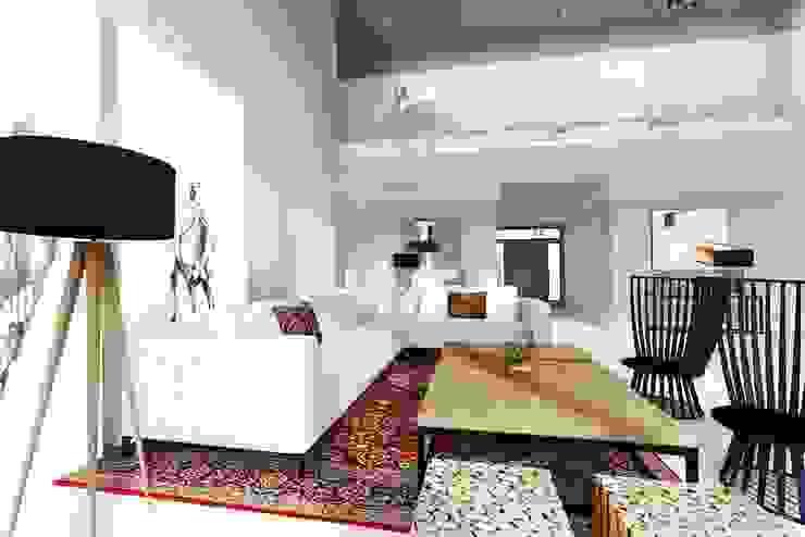Dom – Mazury od Projektowanie Wnętrz Suspenzo