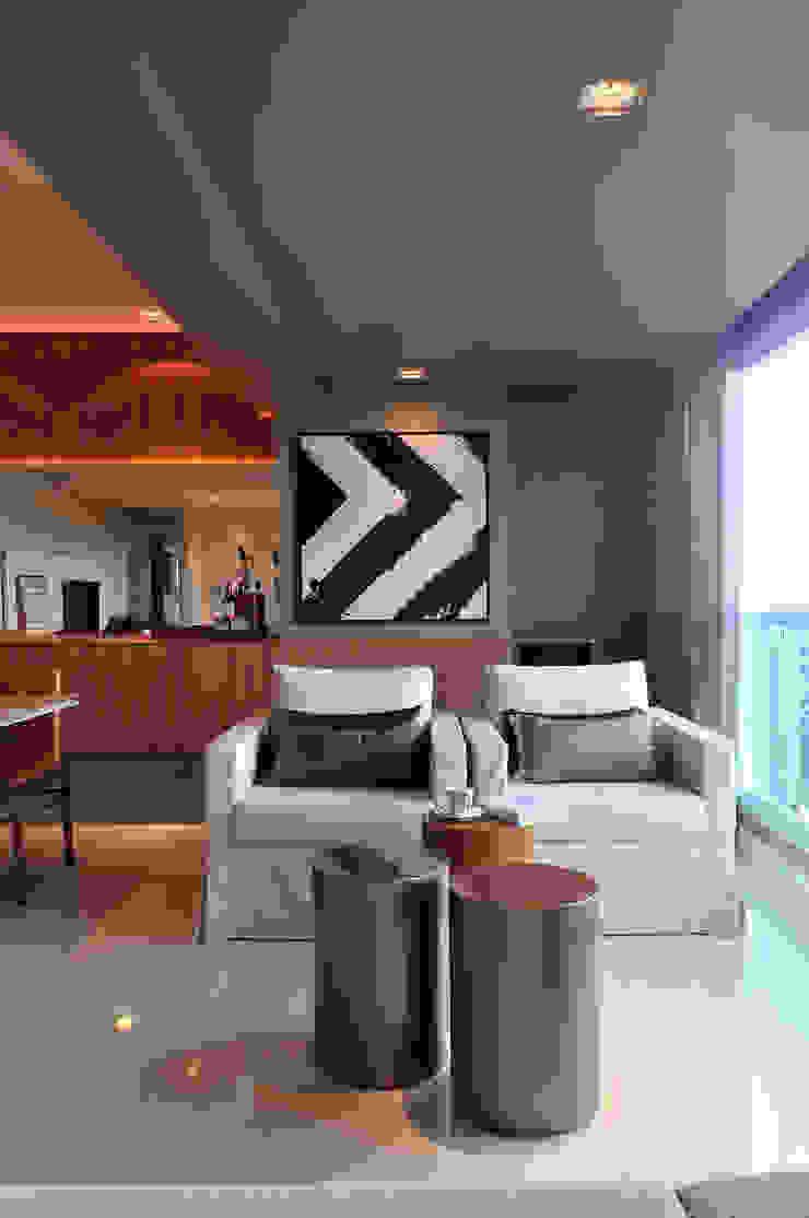 Apartamento BelaVista Varandas, alpendres e terraços modernos por Spinola+Carvalho Arquitetura Moderno