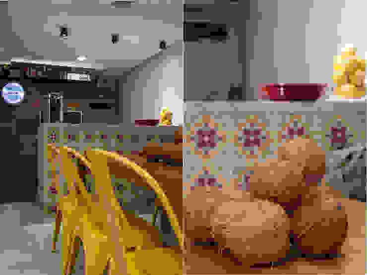 Apartamento Rio Vermelho Varandas, alpendres e terraços modernos por Spinola+Carvalho Arquitetura Moderno