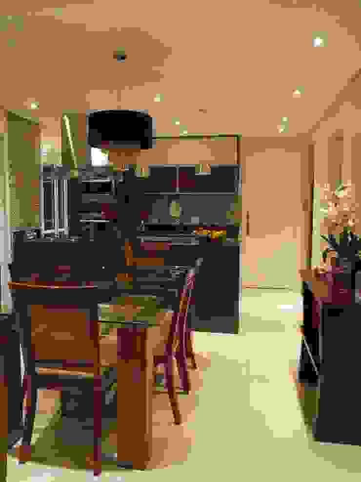 Cozinha na sala Salas de jantar modernas por Lúcia Vale Interiores Moderno