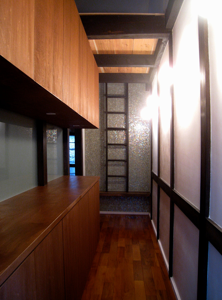 玄関 クラシカルな 壁&床 の あお建築設計 クラシック