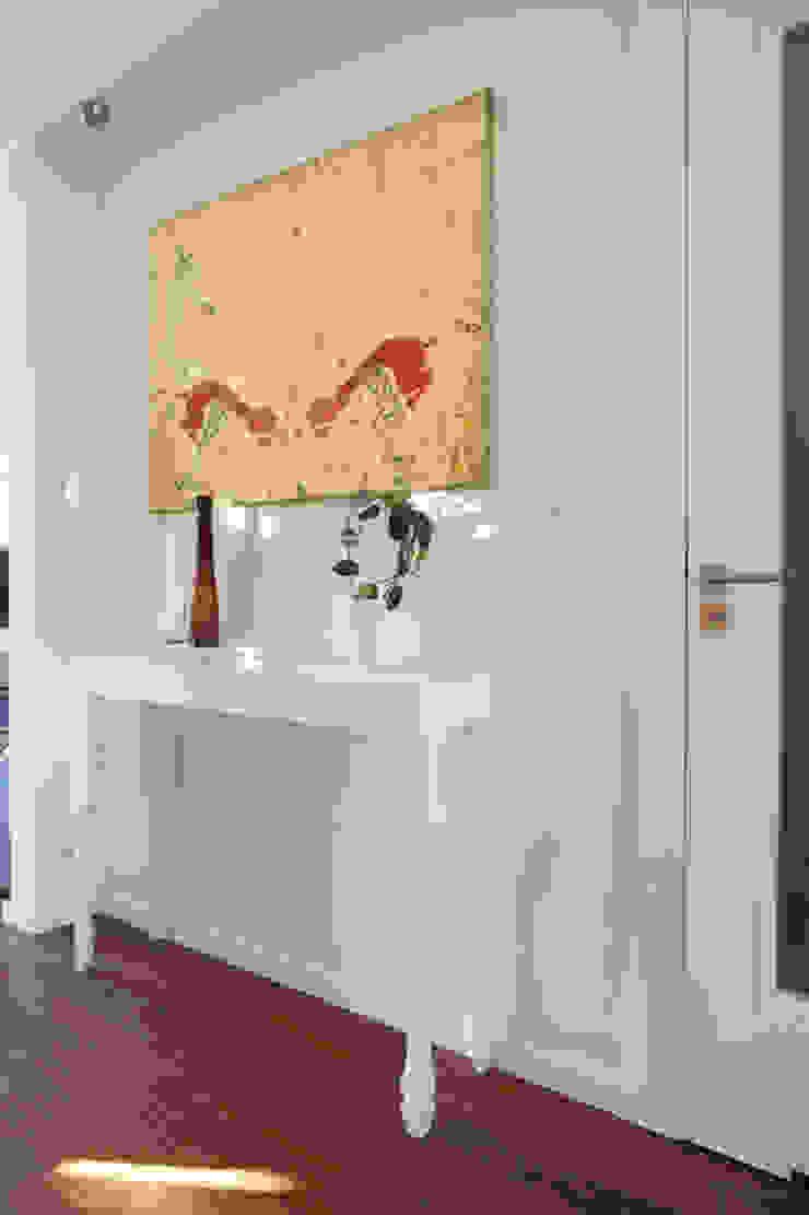 Tarna Design Studio 現代風玄關、走廊與階梯