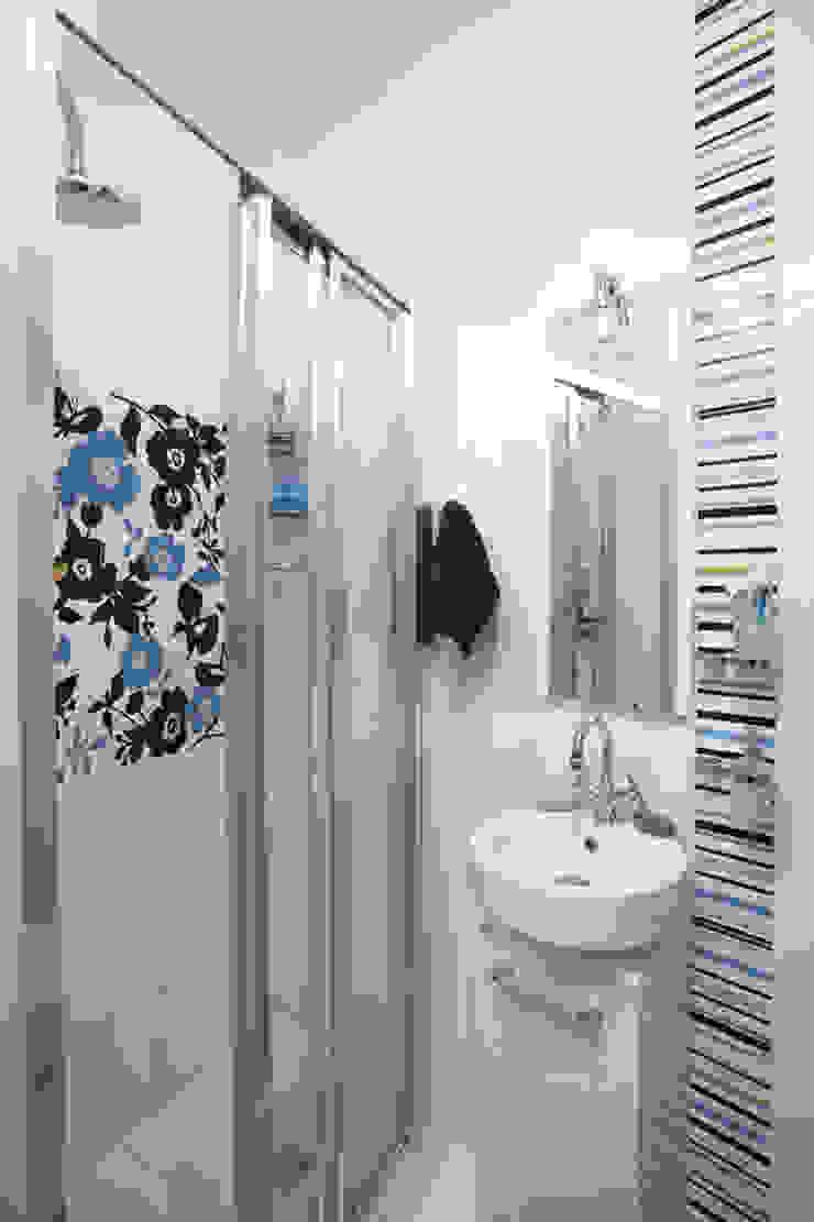 Tarna Design Studio Eclectic style bathroom