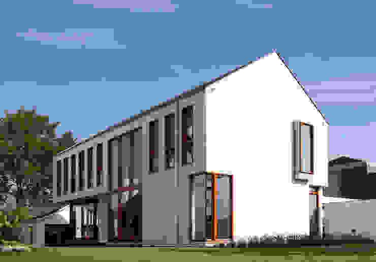 aanzicht voorzijde Moderne huizen van ddp-architectuur Modern