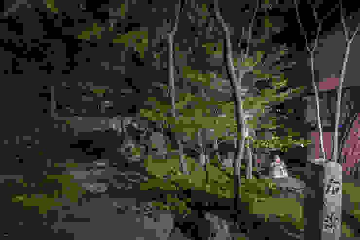 Nowoczesny ogród od 株式会社近江庭園 Nowoczesny