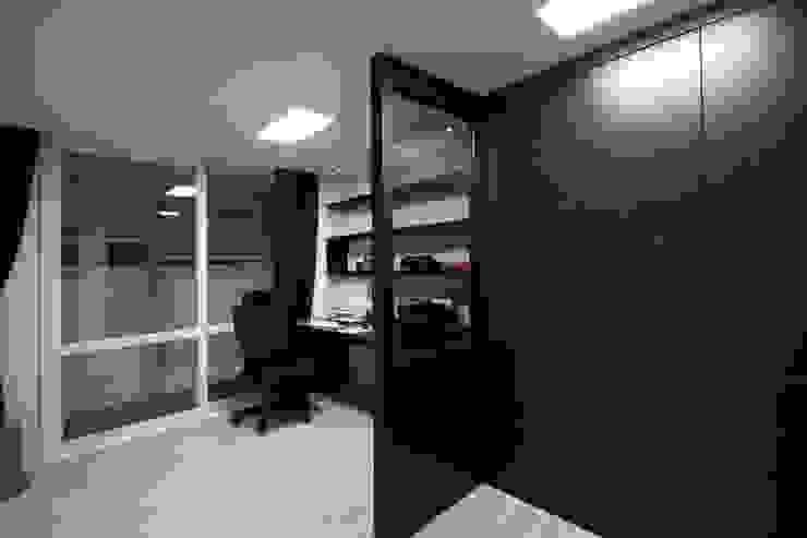 전주 아중리 대우아파트 -the grey- 모던스타일 서재 / 사무실 by 디자인투플라이 모던