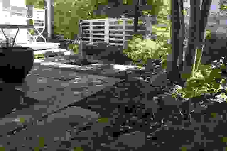 緑園都市の庭: 株式会社ムサ・ジャパン ヴェルデが手掛けた庭です。,オリジナル