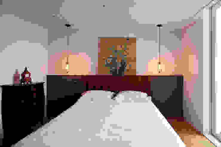 Modern style bedroom by 디자인투플라이 Modern