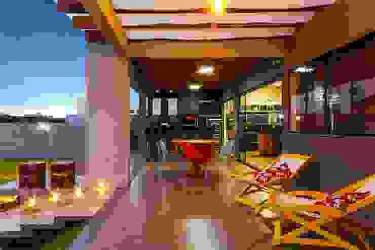 PROJETO RESIDENCIAL Varandas, alpendres e terraços modernos por Dani Santos Arquitetura Moderno
