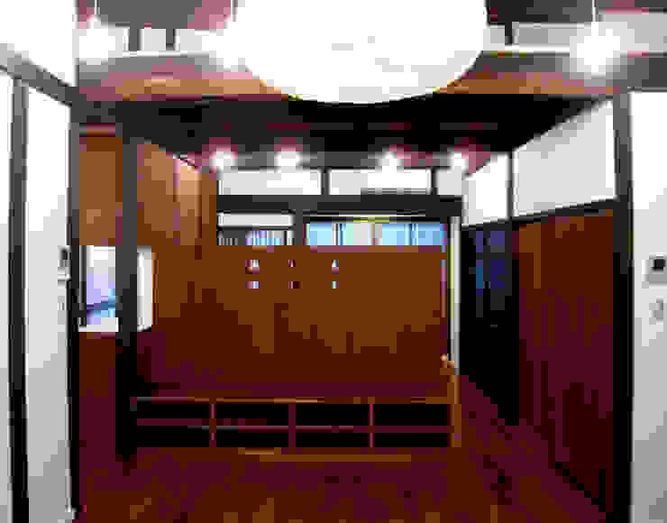 あお建築設計 Salones de estilo clásico Madera Acabado en madera
