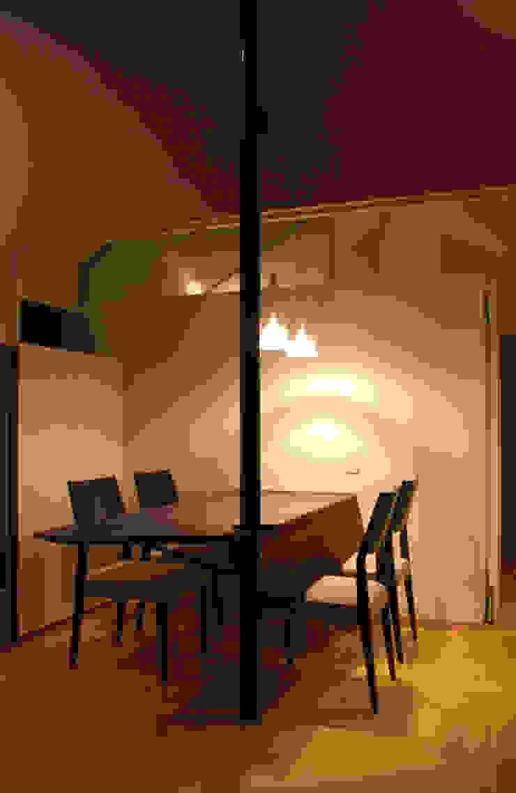 K-HOUSE内観1 北欧デザインの ダイニング の 3*D空間創考舎一級建築士事務所 北欧
