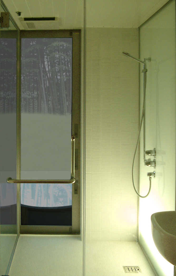 M-HOUSE内観5 トロピカルスタイルの お風呂・バスルーム の 3*D空間創考舎一級建築士事務所 トロピカル