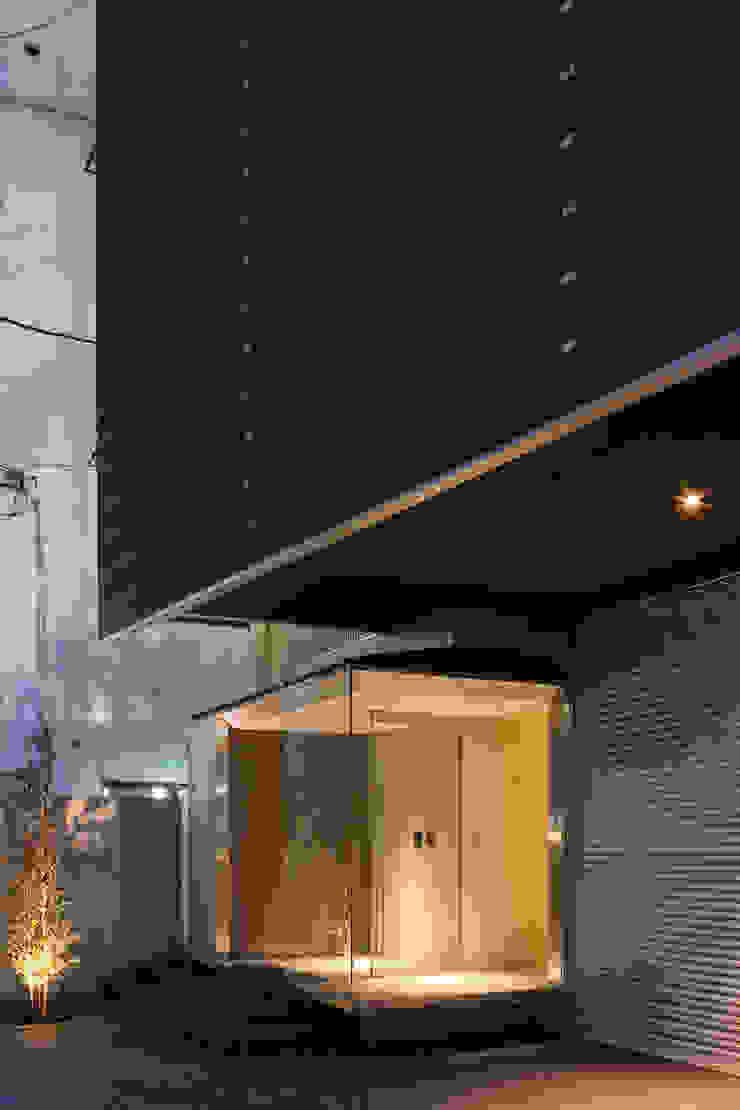 S-HOUSE外観3 モダンな 家 の 3*D空間創考舎一級建築士事務所 モダン
