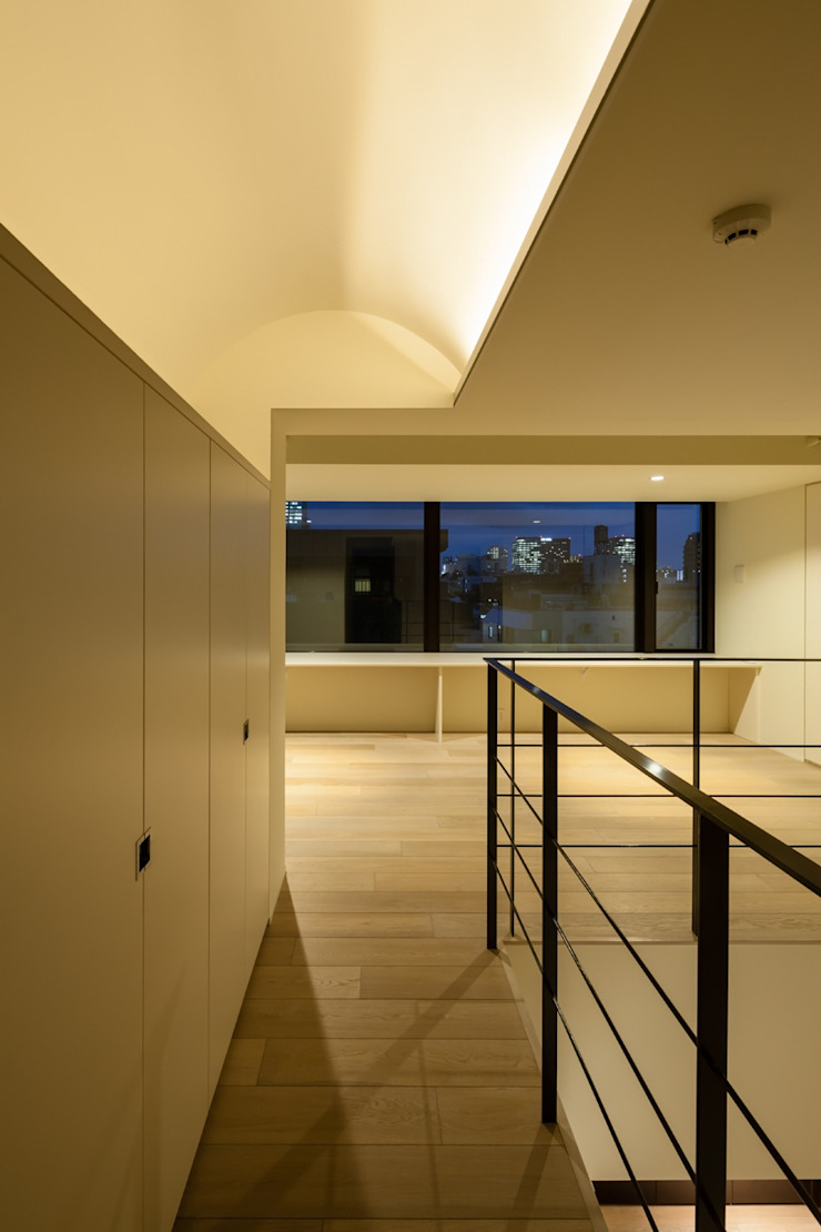 K-HOUSE内観4 モダンスタイルの 玄関&廊下&階段 の 3*D空間創考舎一級建築士事務所 モダン