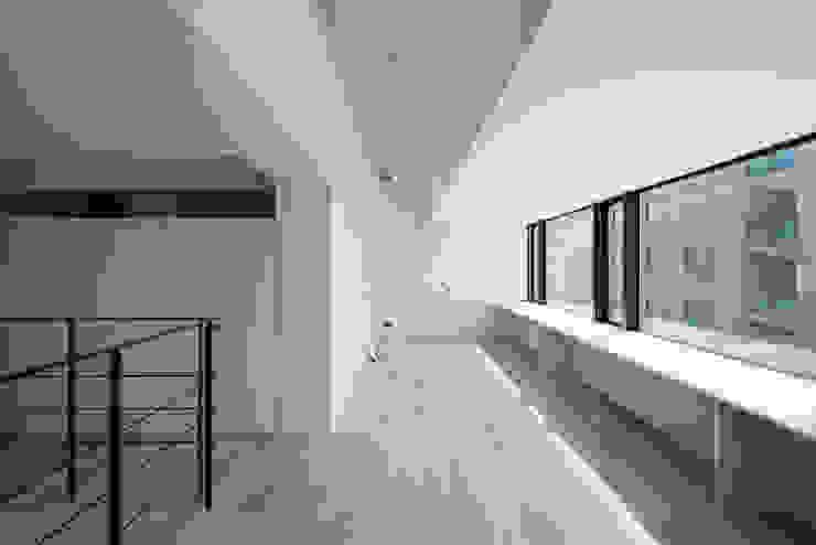 K-HOUSE内観5 モダンデザインの 子供部屋 の 3*D空間創考舎一級建築士事務所 モダン