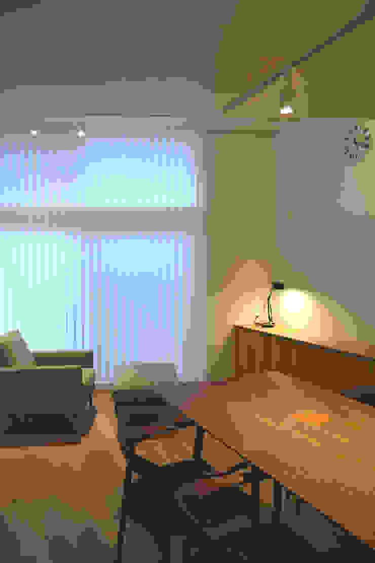 LIVING ROOM FURUKAWA DESIGN OFFICE Salones de estilo moderno