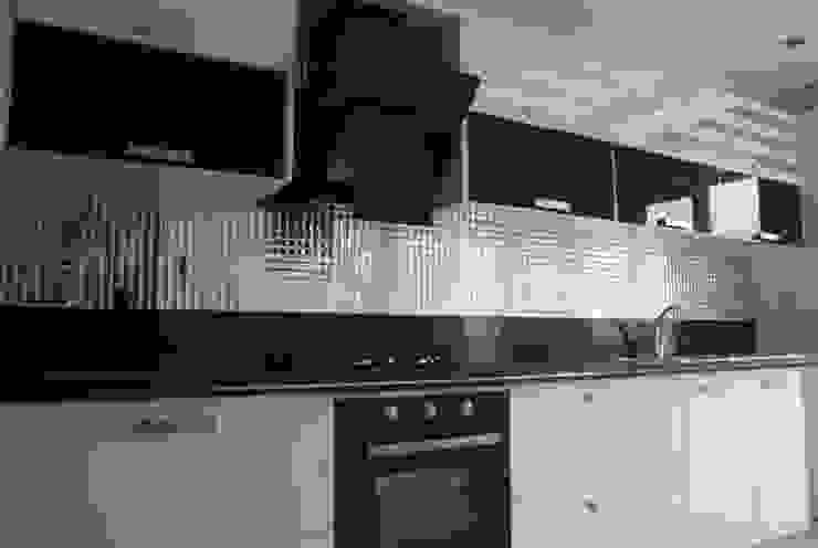 Zeces Cam Mozaik ve Dekorasyon Modern Mutfak ZECES CAM MOZAİK Modern