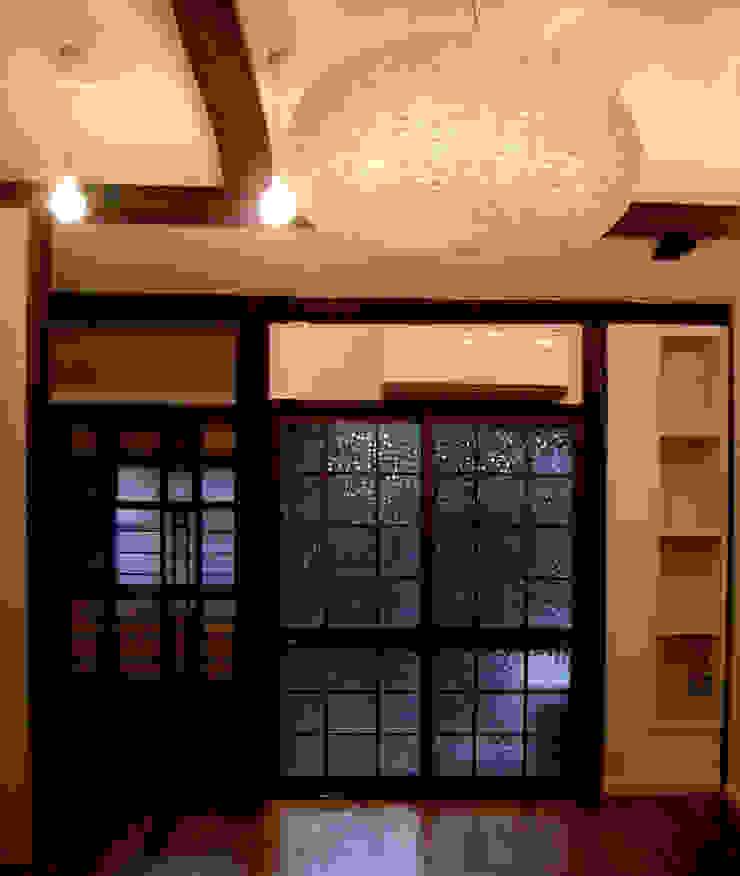 既存建具の活用 クラシックデザインの リビング の あお建築設計 クラシック 竹 緑