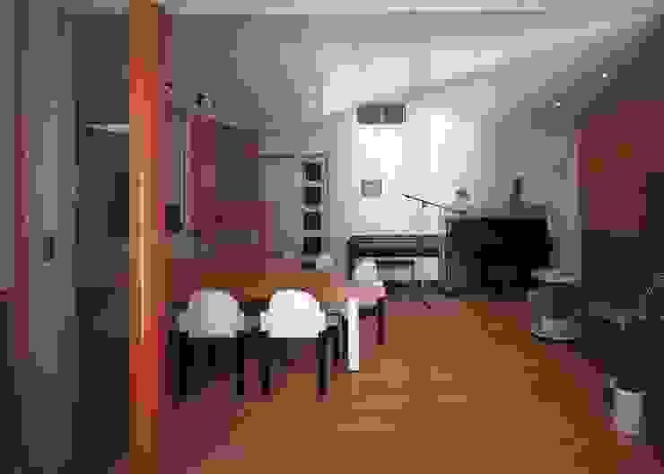 石坂の家: 加藤將己/将建築設計事務所が手掛けた現代のです。,モダン