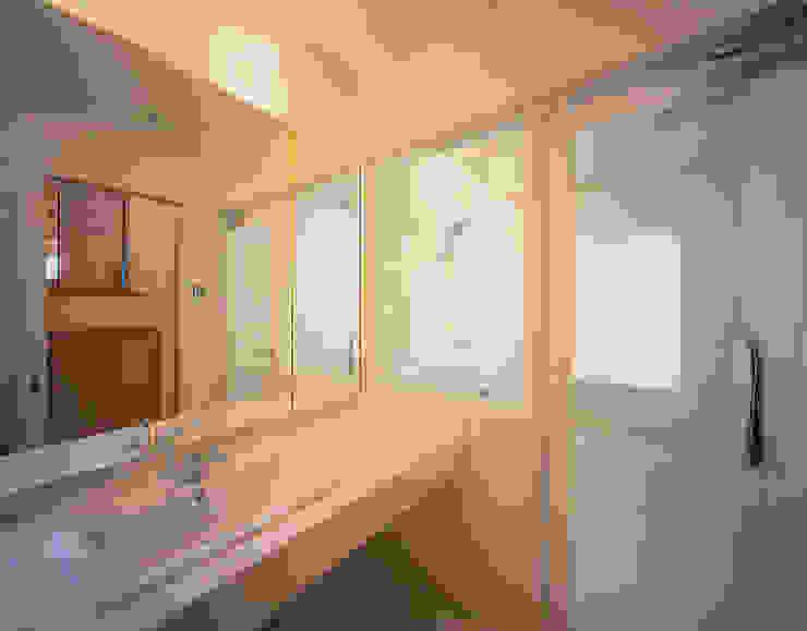 和邇の家(S邸新築工事) モダンスタイルの お風呂 の 有限会社 起廣プラン 一級建築士事務所 モダン