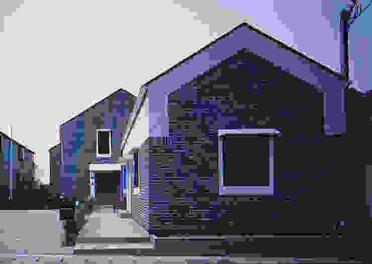 Skandinavische Häuser von 有限会社 起廣プラン 一級建築士事務所 Skandinavisch