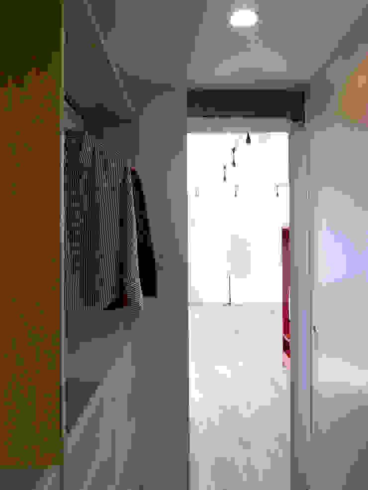 オシアゲマンションリノベーション: アトリエハコ建築設計事務所/atelier HAKO architectsが手掛けた現代のです。,モダン