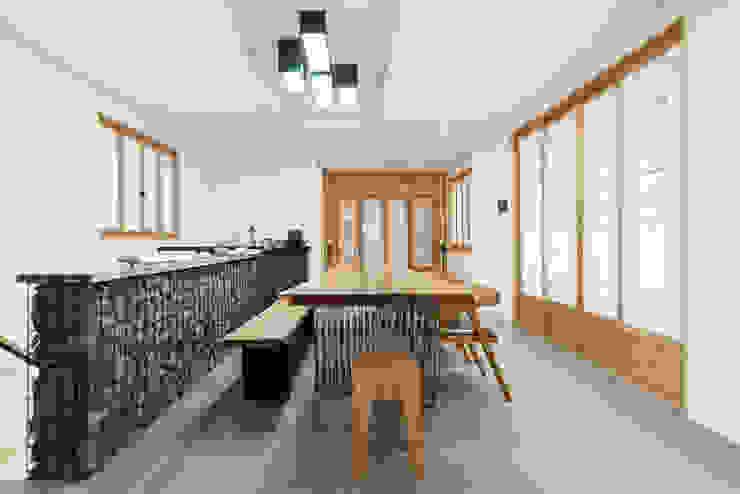 Livings de estilo  por 비에스디자인건축사사무소