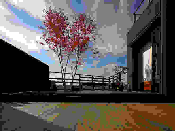 書斎茶藝館: アトリエハコ建築設計事務所/atelier HAKO architectsが手掛けたアジア人です。,和風