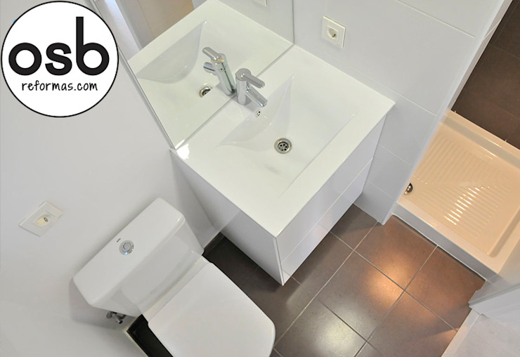 Modern Bathroom by osb arquitectos Modern