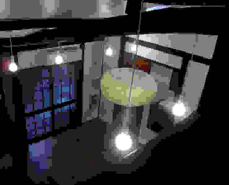 あお建築設計 Salones de estilo clásico Madera maciza Acabado en madera