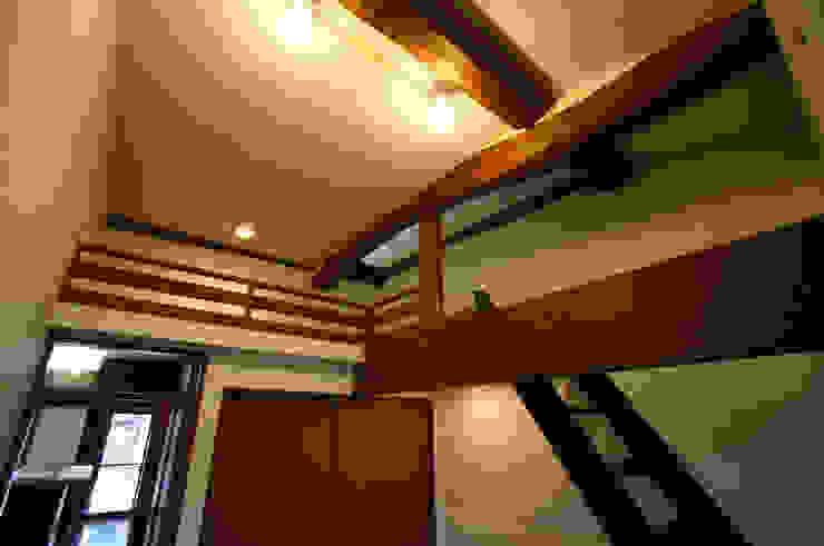和泉中央の家・古民家改築 洋室: SADOが手掛けたクラシックです。,クラシック