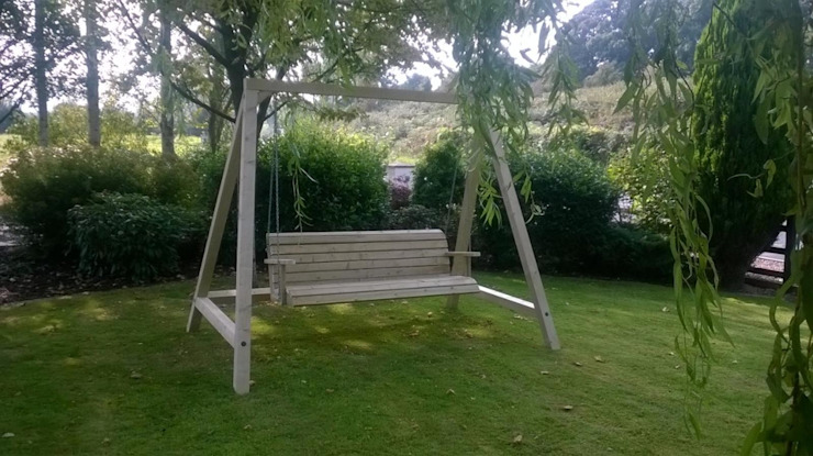 Outdoor Garden Swing Classic style gardens by NI Climbing Frames Classic