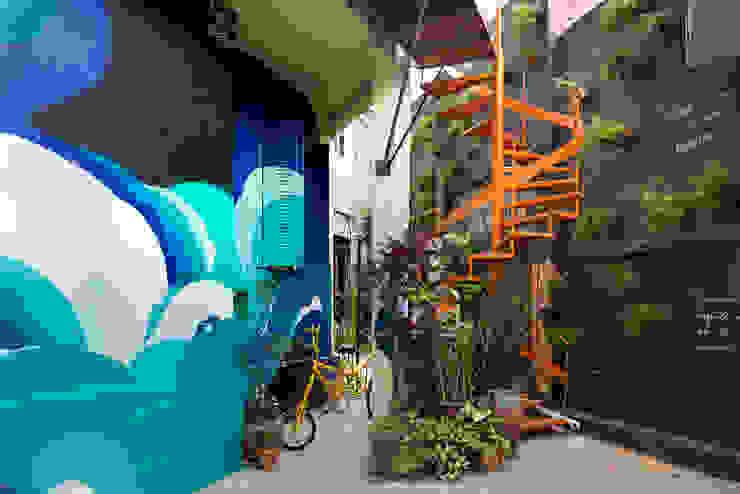 MÃO NA TERRA, Belo Horizonte, 2015 Jardins rústicos por Luiza Soares - Paisagismo Rústico