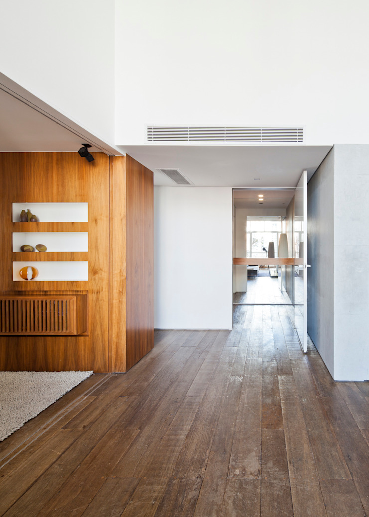 by Meireles Pavan arquitetura Minimalist