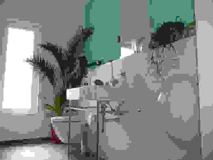 Baños de estilo minimalista de Architekt Dipl.Ing. Udo J. Schmühl Minimalista
