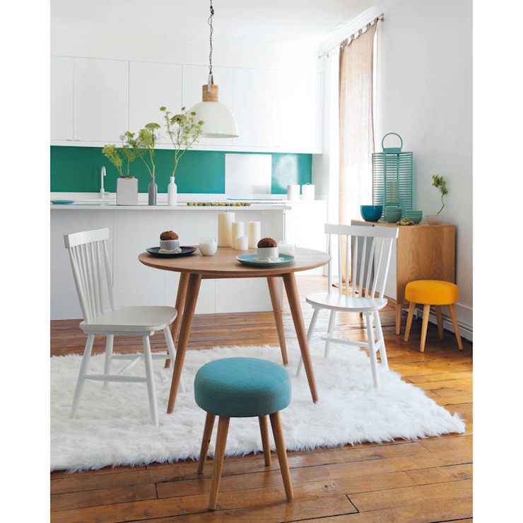 Scandinavian eating:  Dining room by 99chairs,
